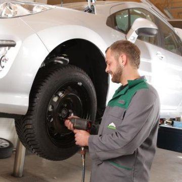 Unser Lagerhaus – Ihr Partner für den Reifenwechsel
