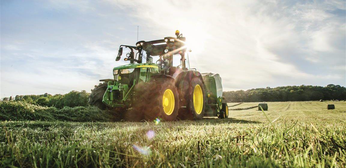 Lagerhaus mit höchstem Vertrauen beim Traktorkauf