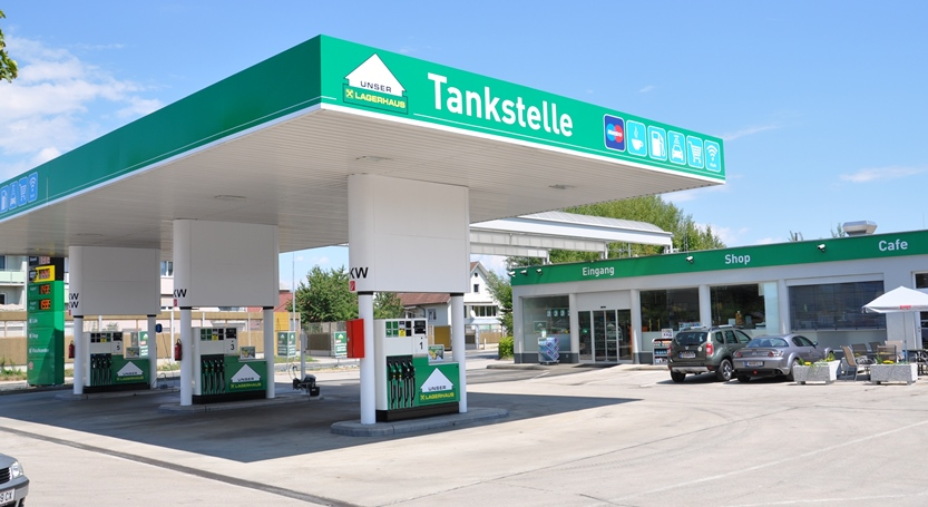 Lagerhaus Tankstellen haben geöffnet